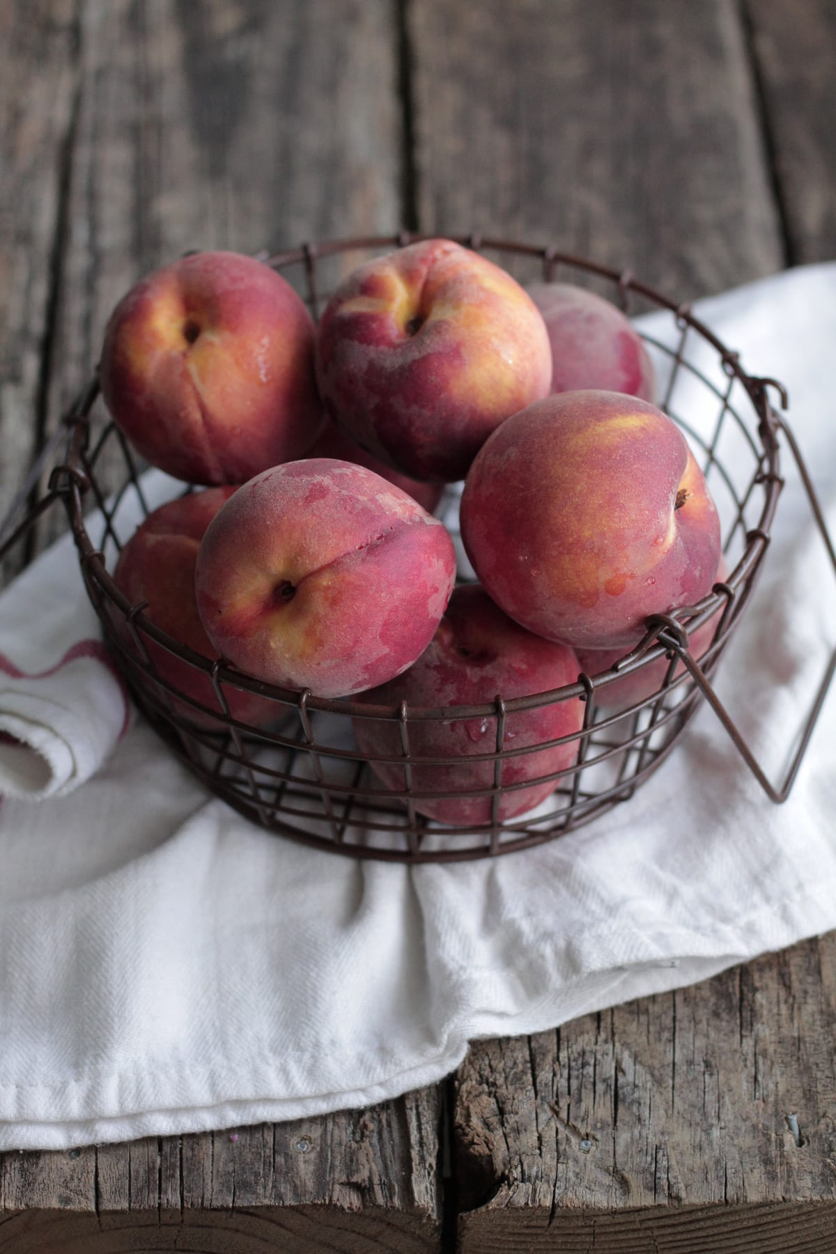 How to Freeze Peaches (the Easy, Busy Mom's Way)