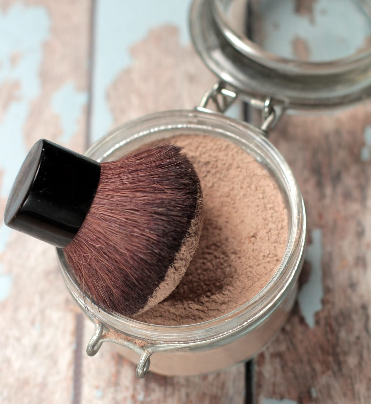 """Search """"DIY homemade Foundation powder"""" by Live Simply and watch it there. This powder doesn't do much which is why I think it isn't demonstrated by many. I make true mineral powder foundation makeup and that does cover!"""