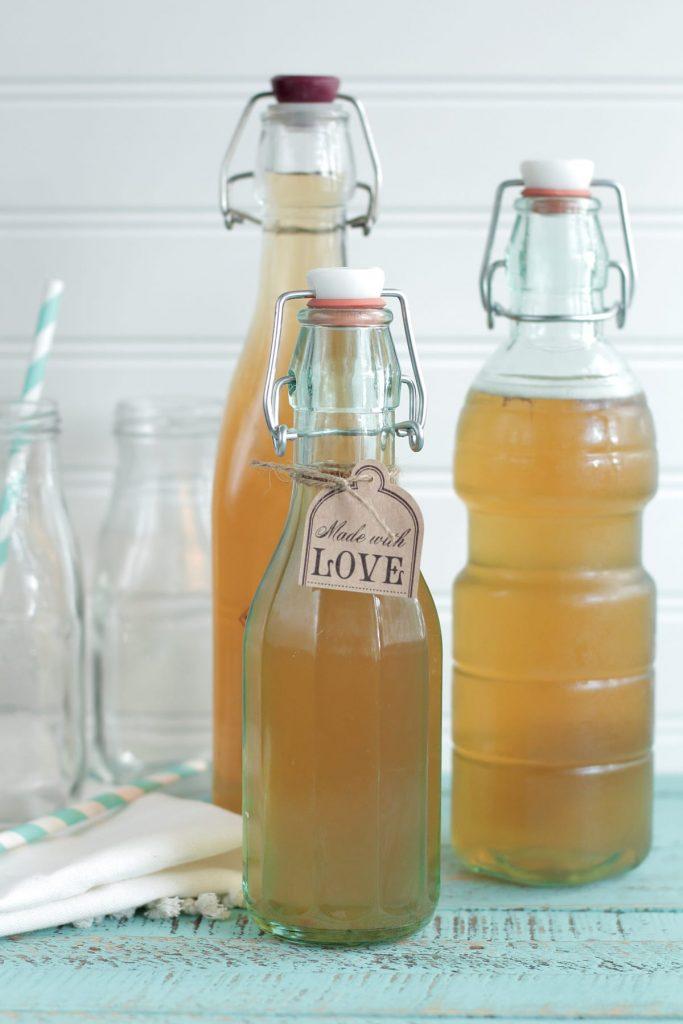 Make this healthy probiotic drink at home! It's so easy!! Homemade Kombucha 101: How to Make Homemade Kombucha