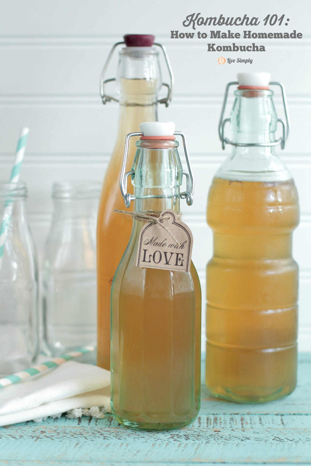 Make this healthy probiotic drink at home! It's so easy!! Homemade Kombucha 101