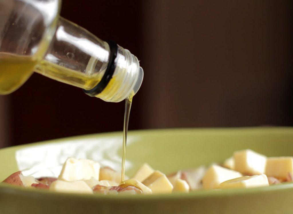 Cheesy herb potatoes