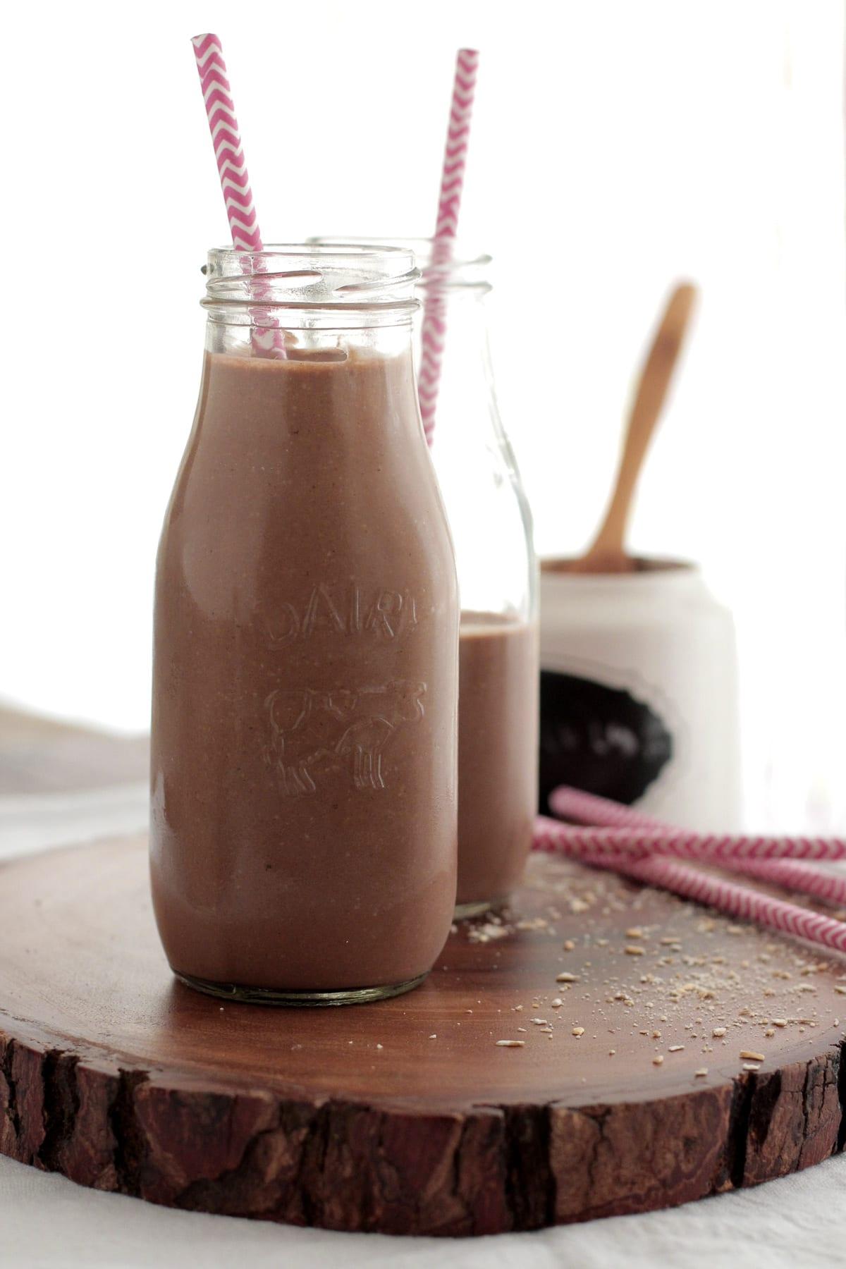 chocolate-banana oatmeal smoothie