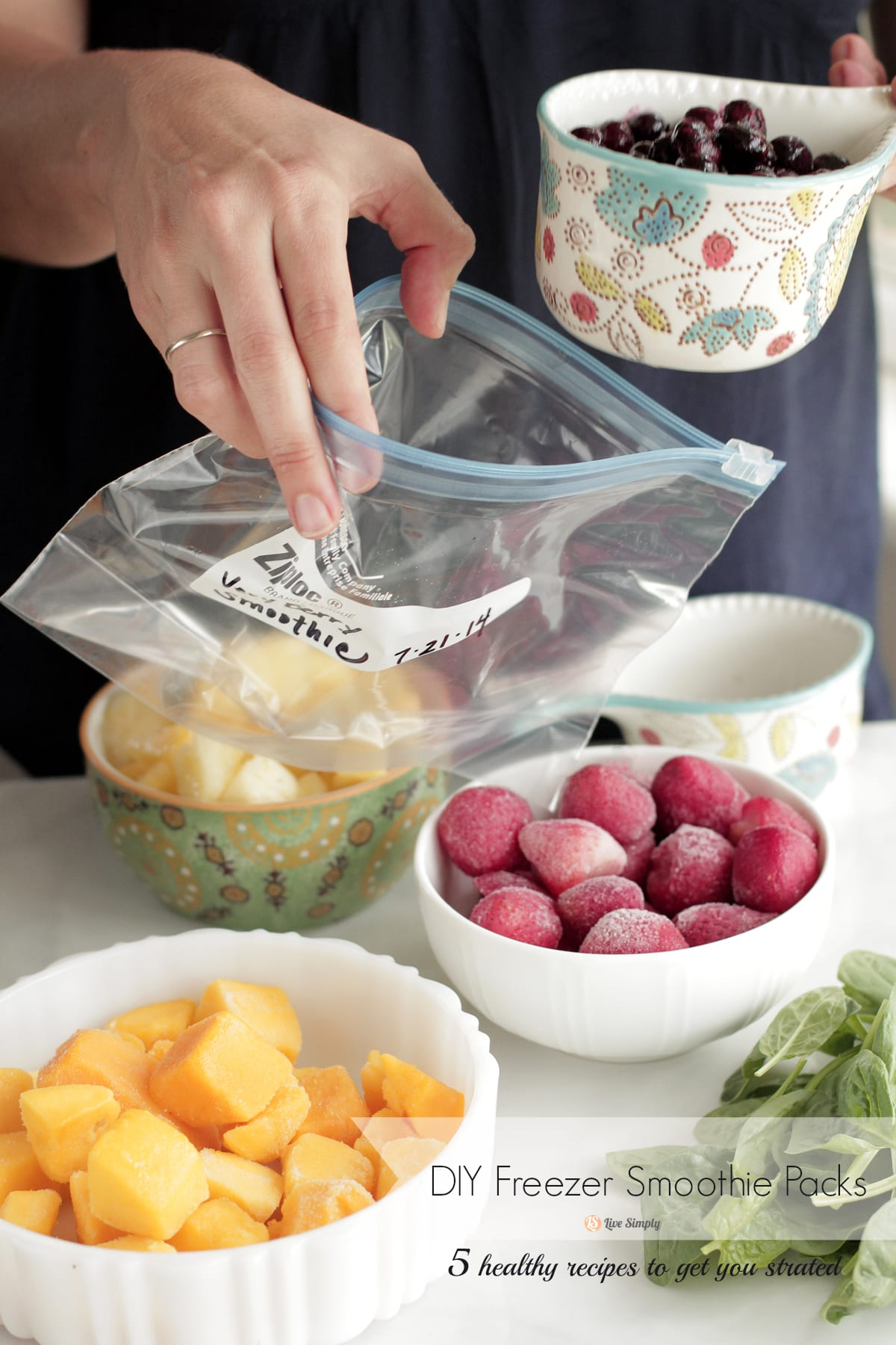 Diy freezer smoothie packs 5 recipes to get you started live simply diy freezer smoothie packs and smoothie recipes save money and time with homemade freezer packs solutioingenieria Choice Image