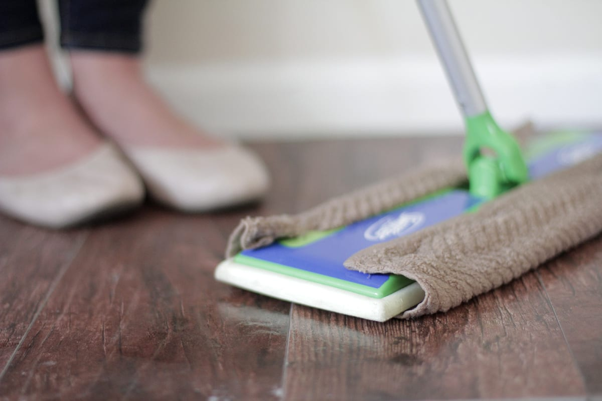 10 Must Have Tools To Clean Your Entire House Naturally