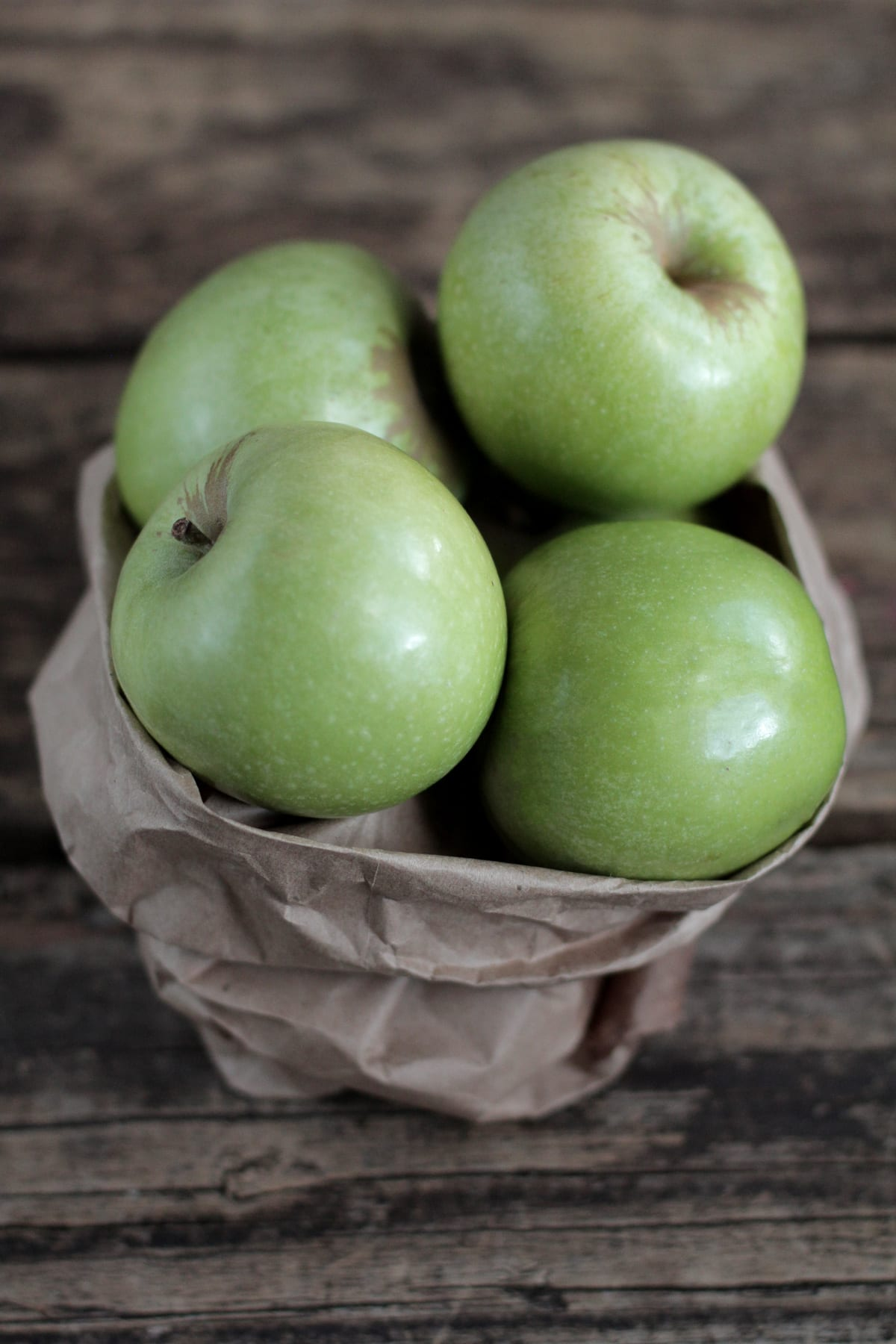 The BEST Cinnamon Baked Apples that are naturally sweet!!