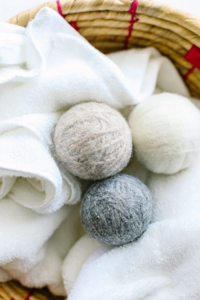 Homemade Wool Dryer Balls: The best natural dryer sheet alternative! So easy and inexpensive to make!