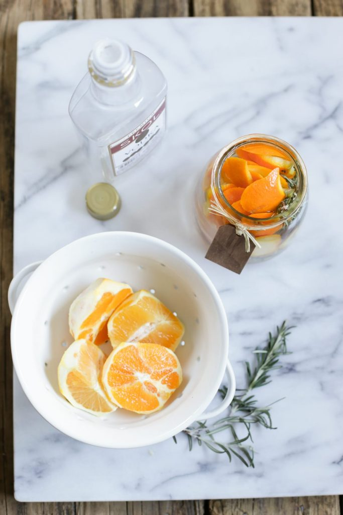 DIY Citrus Air Freshener: A simple 4-ingredient air freshener you can make at home!