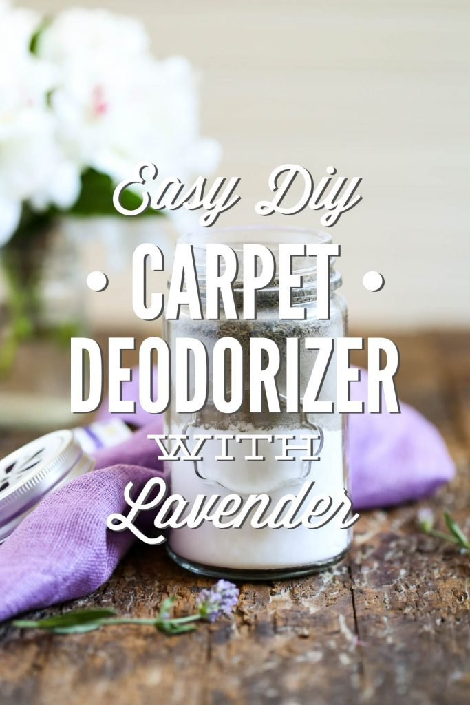 With a simple combination of baking soda,diatomaceous earth, and lavender you can get your house smelling good with this easy DIY carpet deodorizer.