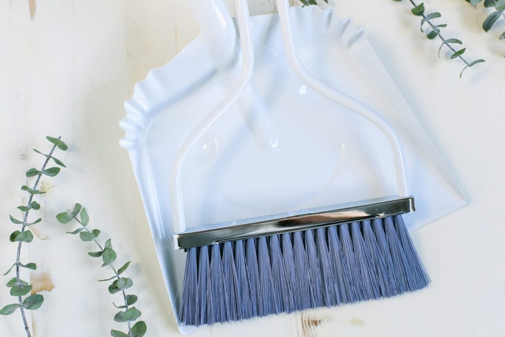 A Complete Resource Of All The Tools You Need To Clean Your House Naturally Many