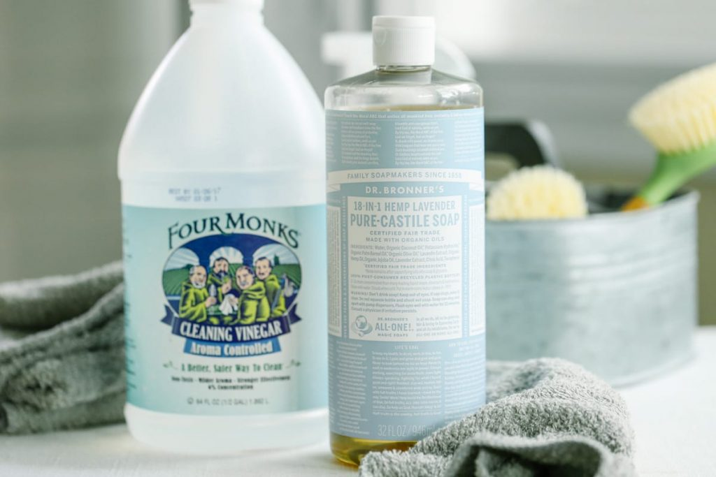 4 Natural Cleaning Ingredients To Avoid Combining Live