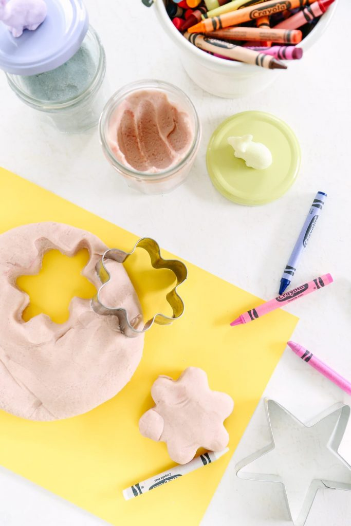 How to Make Play Dough. Kids don't need expensive toys to have fun! This easy recipe for homemade playdough will get your kids in the kitchen and give them a great toy to play with.