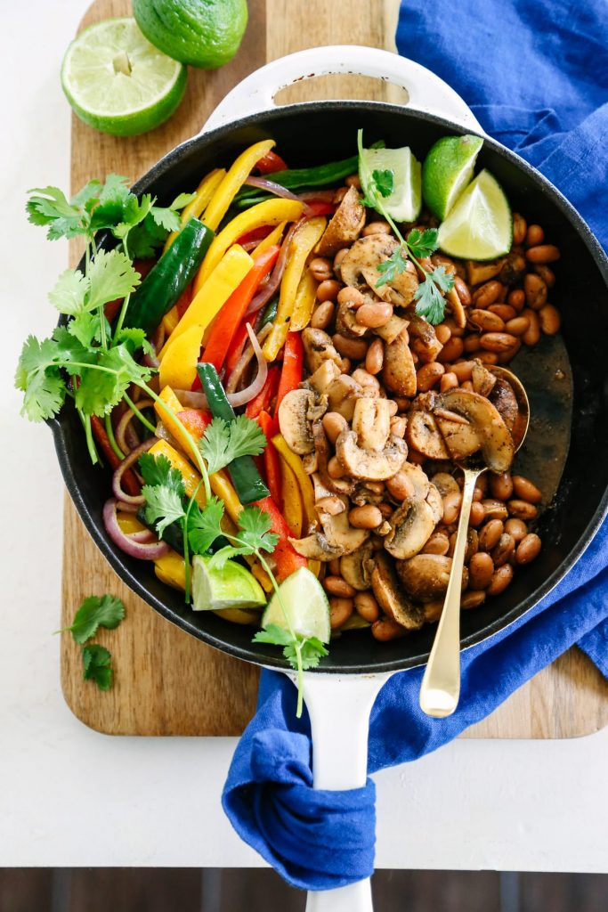 These Quick and Easy Vegetarian Fajitas are husband friendly, kid friendly and mom friendly. And all of that ready in 20 minutes!