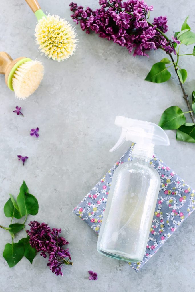 Such easy recipes made with household ingredients. So many great ideas for cleaning a sink without nasty ingredients or products. Love this guide.