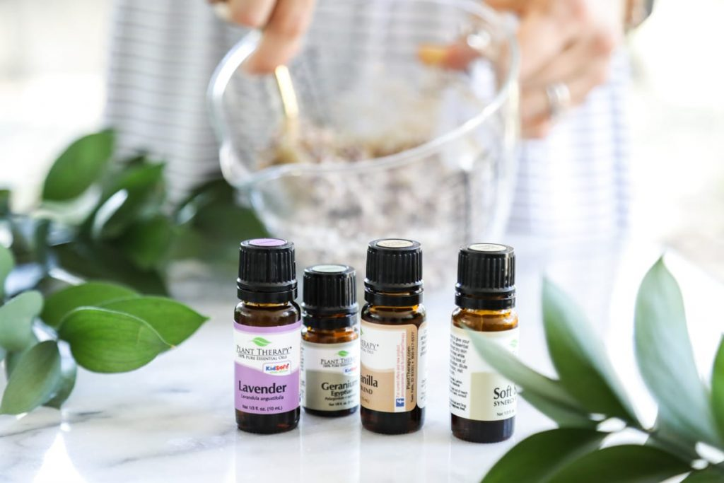 A relaxing floral foot soak to help soften, deodorize, and soothe the feet. Easy, inexpensive, and 100% relaxing!