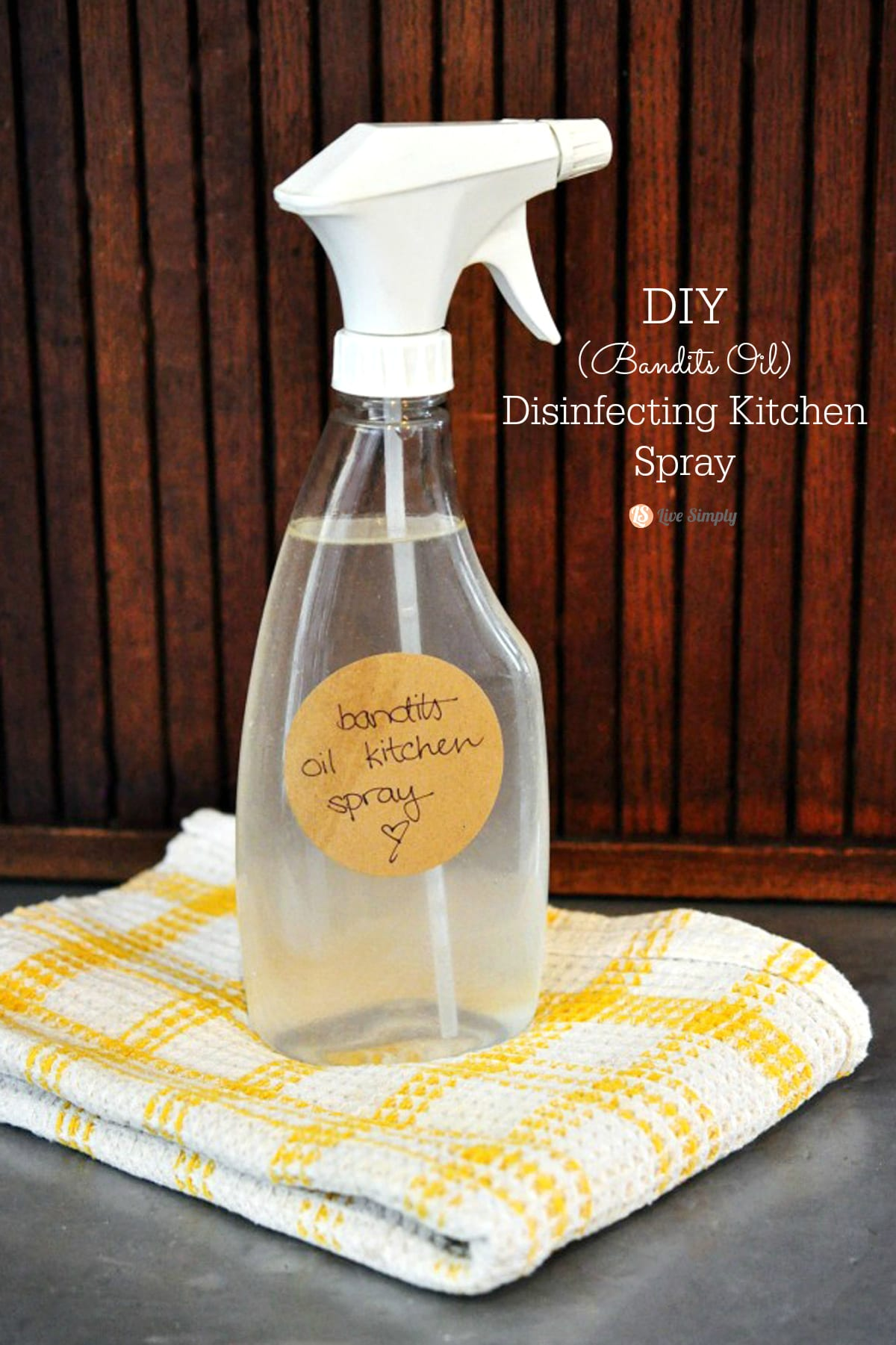 diy bandits oil disinfecting (kitchen) spray - live simply