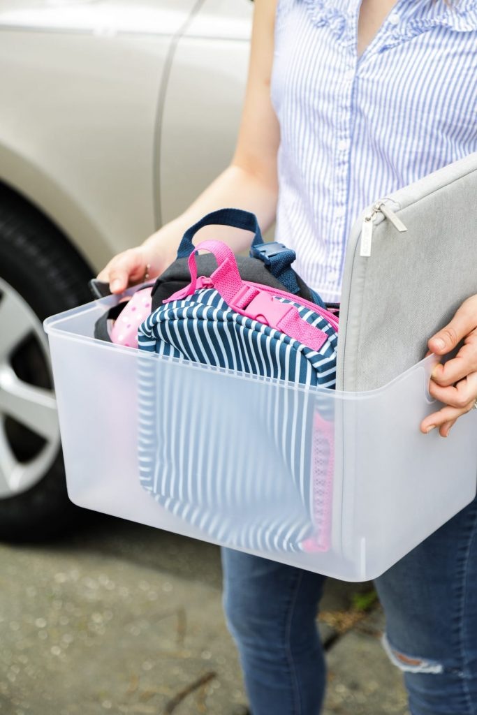 Say good-bye to messes and clutter left in your car. Such a simple way to stay organized!