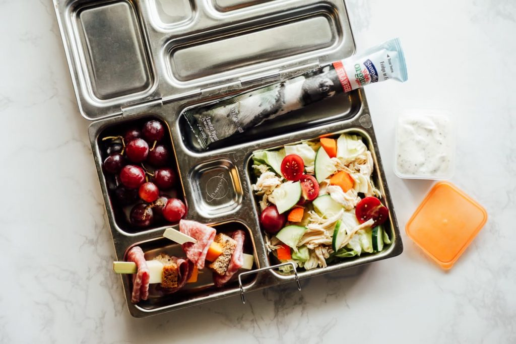 Simple, easy-to-build, nourishing, real food lunch ideas for school lunch. A no-fuss, simple guide to packing amazing lunches that will nourish your kids.