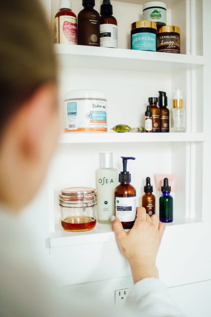 How to Create a Natural Products Skincare Routine