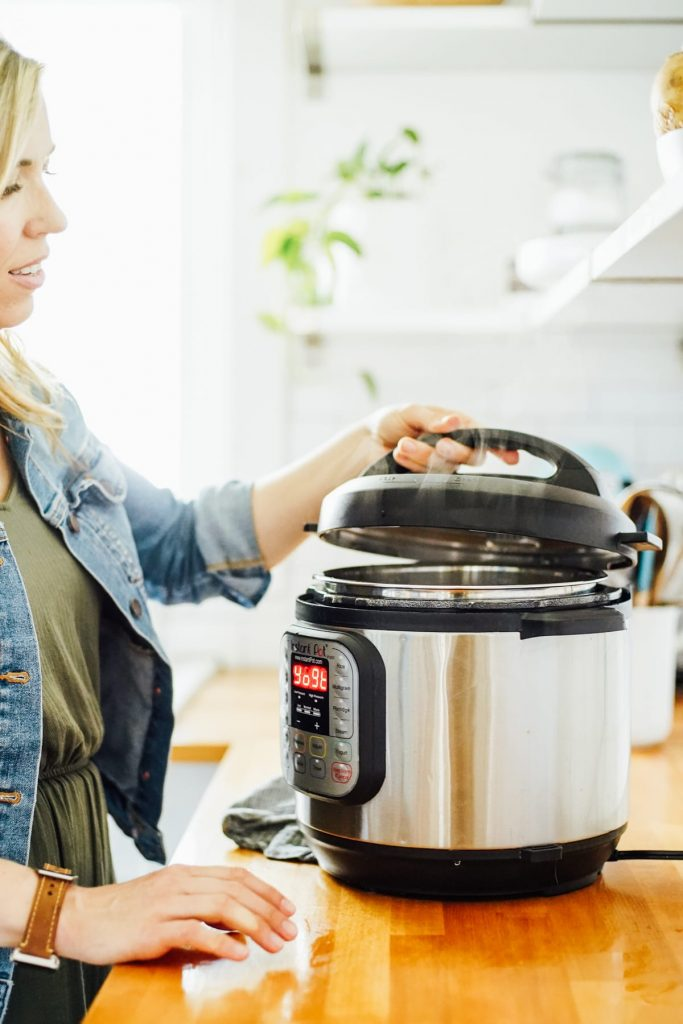 Removing the lid from the Instant Pot