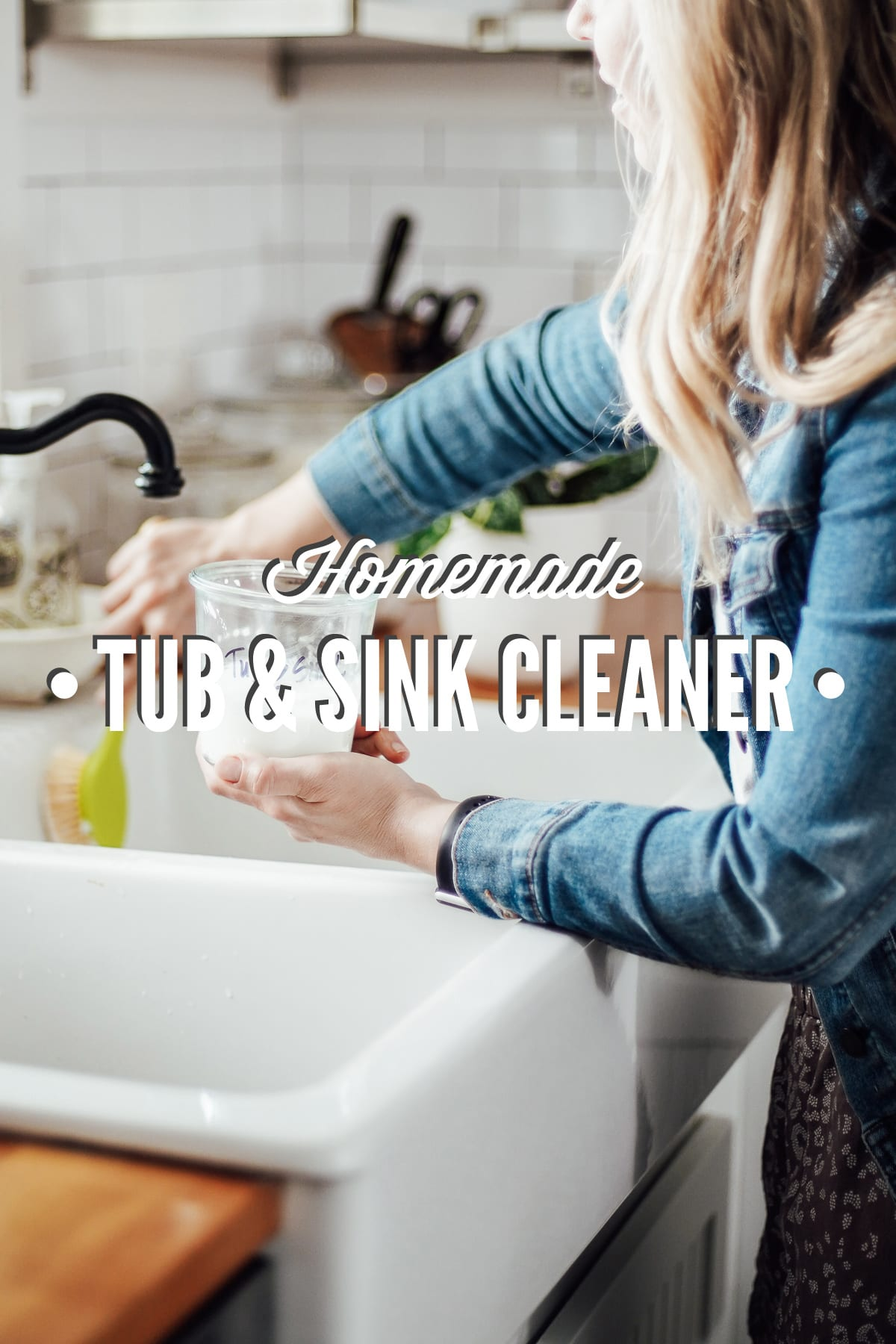 Homemade Tub and Sink Cleaner